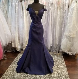 Dresses & Skirts - 💙Navy Blue Mikado Mermaid Gown💙